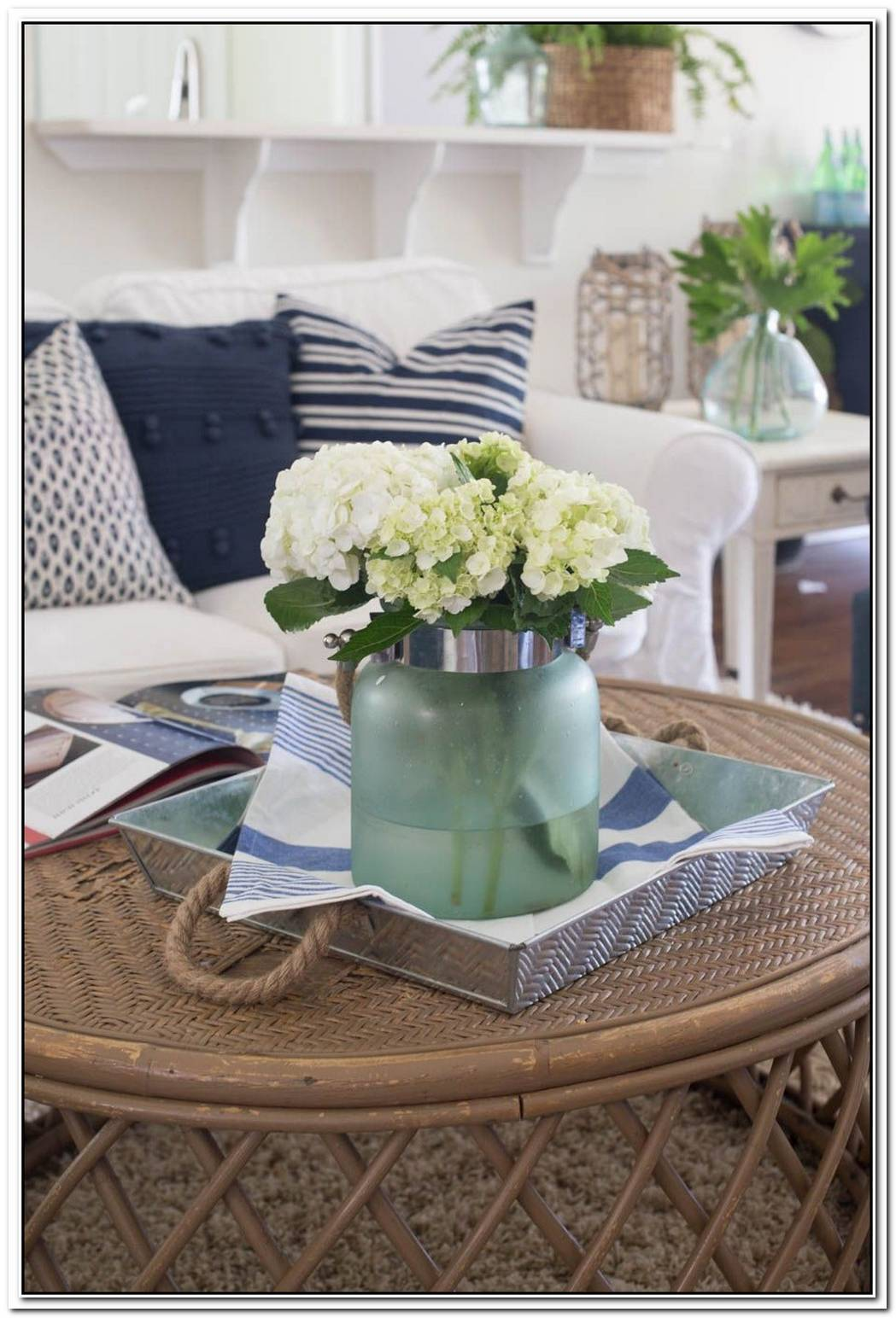 Summer Decorating Ideas With Flowers For Your Loft