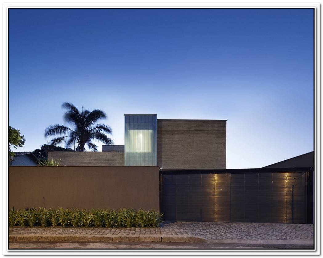 The 370 Sqm Belvedere Residence