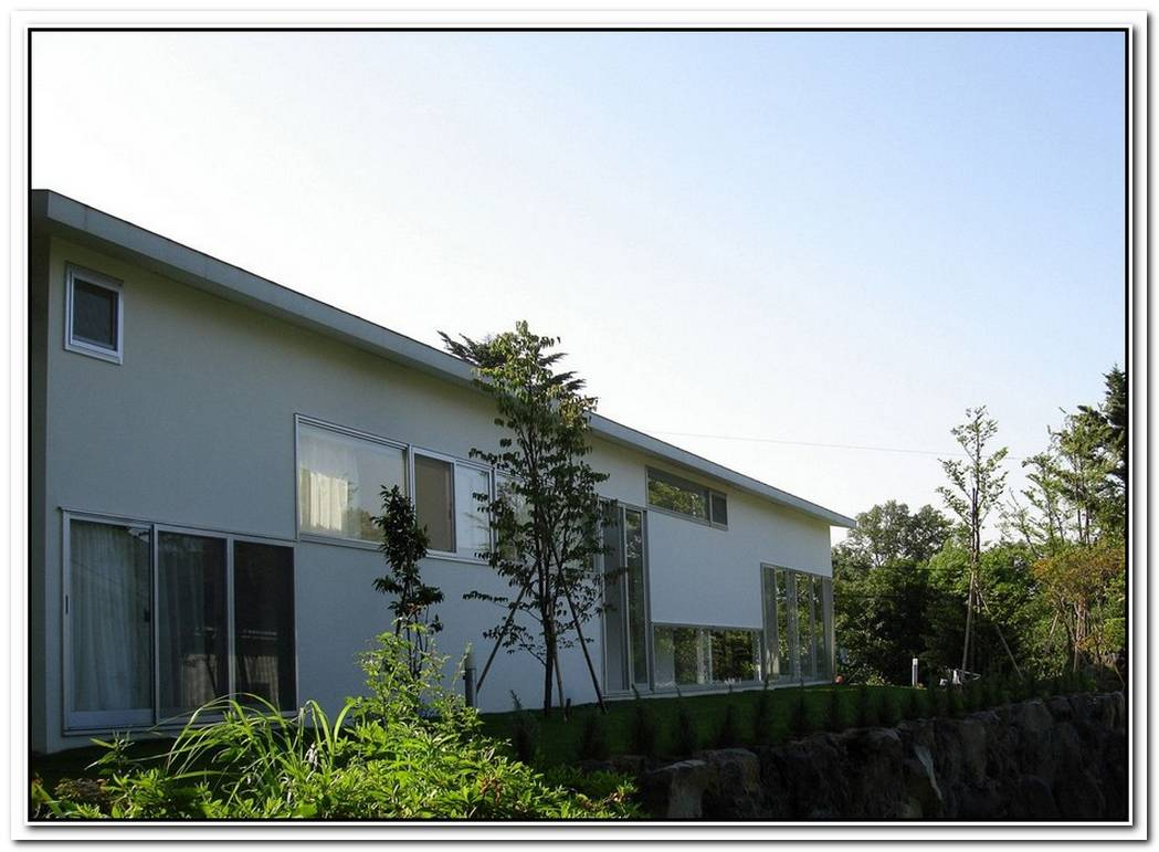 The Compact Izukougen House By Atelier Shinya Miura
