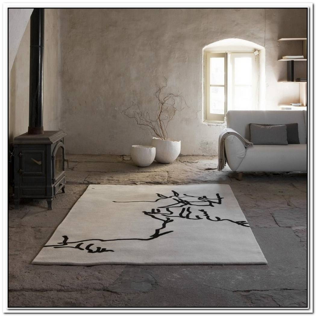 The Elegant Chillida Rugs By Nani Marquina