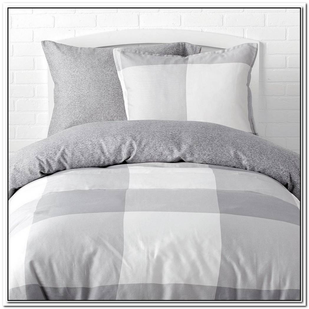 The Fresh And Cozy Draper Stripe Poppy Duvet Set