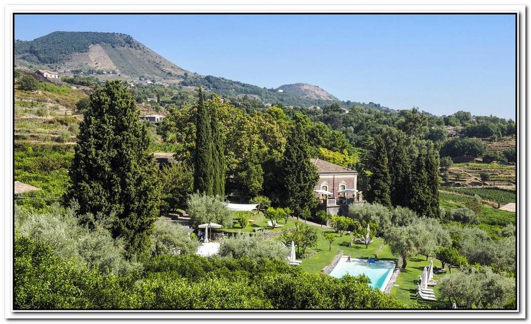 The Intimate Monaci Delle Terre Nere Retreat