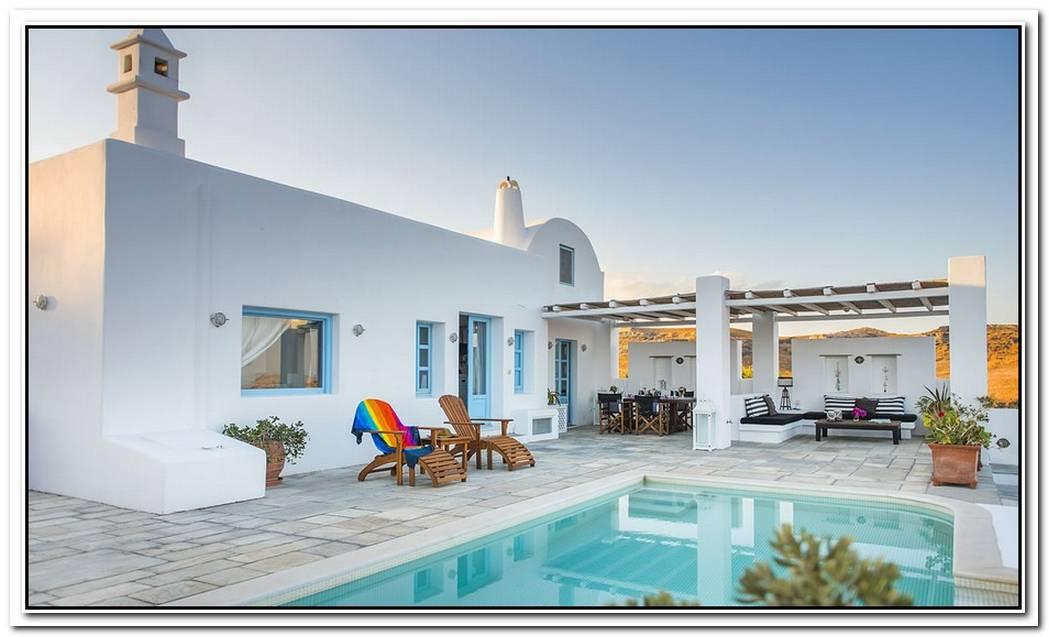 The Luxurious Tramountana Villa In Santorini