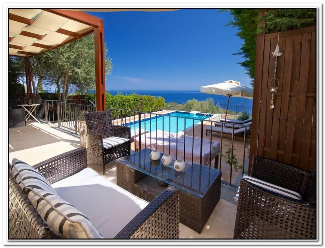 The Stylishly Restored Villa Elia