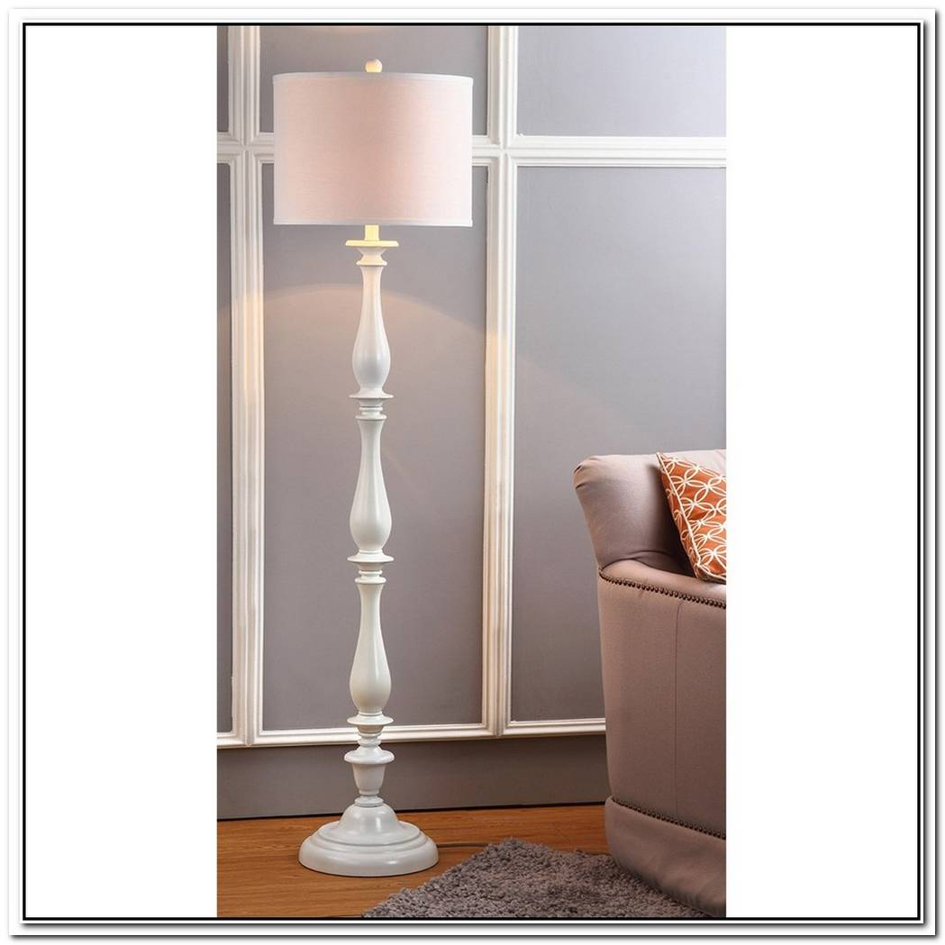 Think Big When You Choose The Floor Lamp