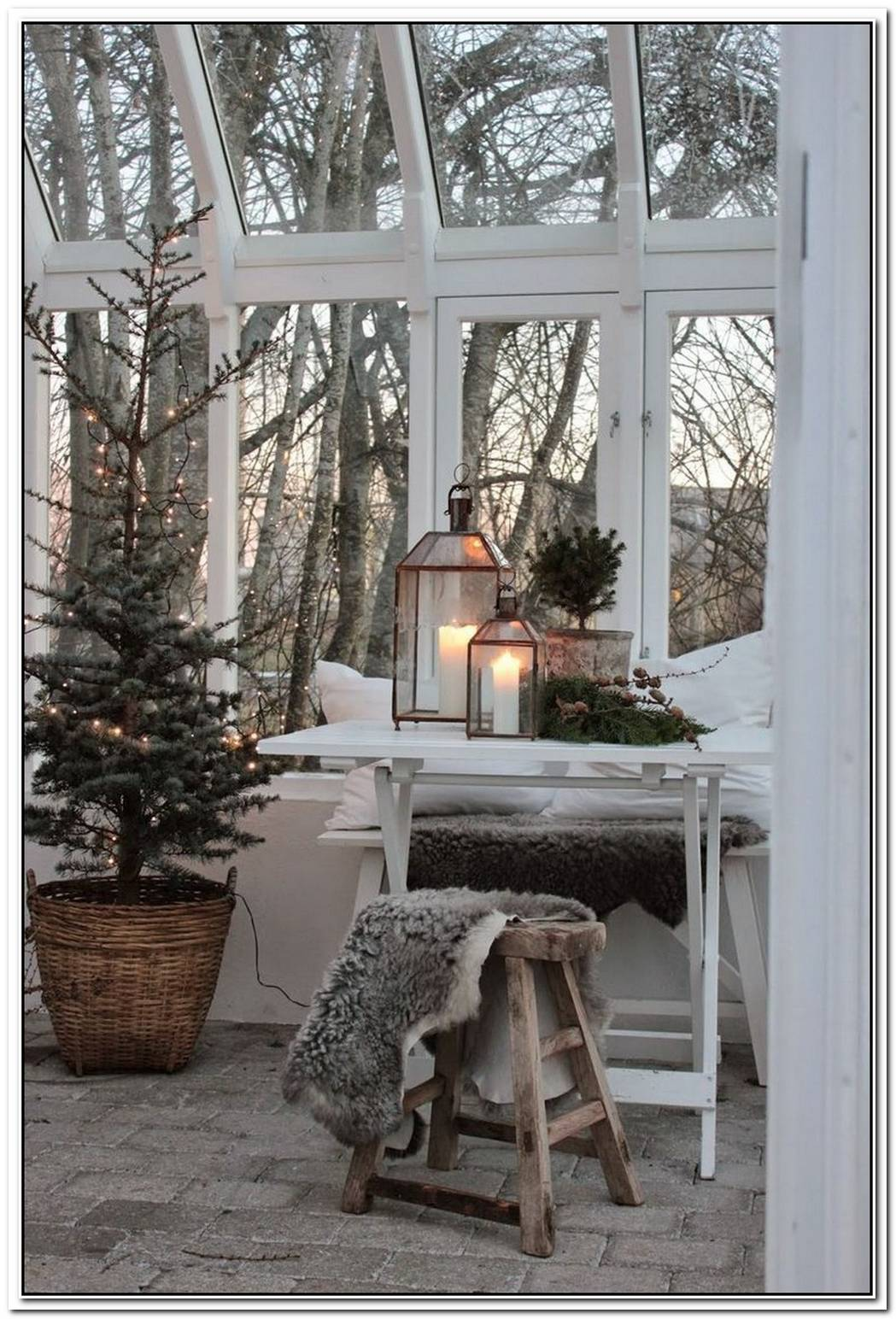 This Is Scandi Christmas Decor At Its Finest