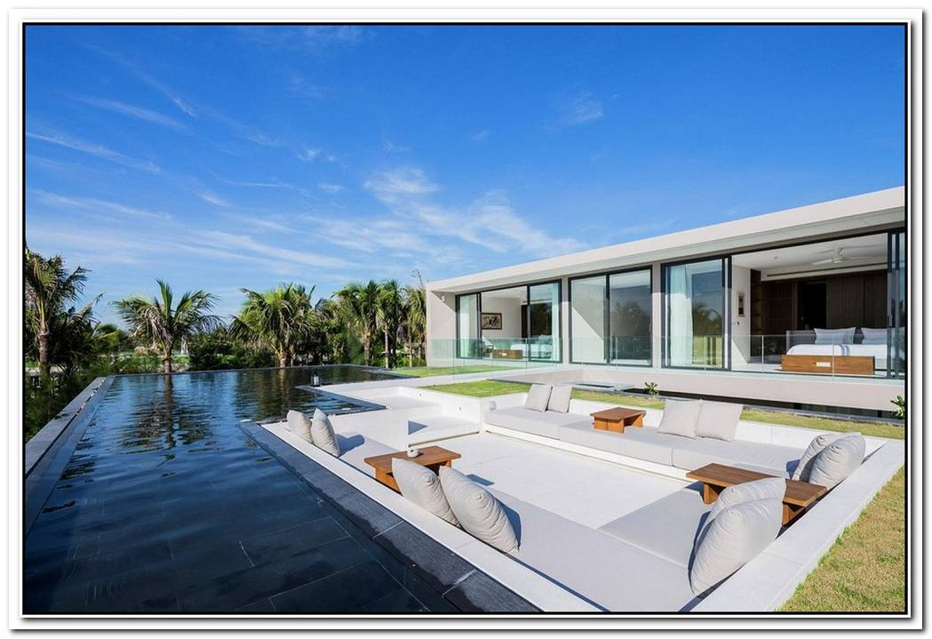 This Luxurious Seaside Villa Sits On One Of The World%E2%80%99S Most Beautiful Beaches