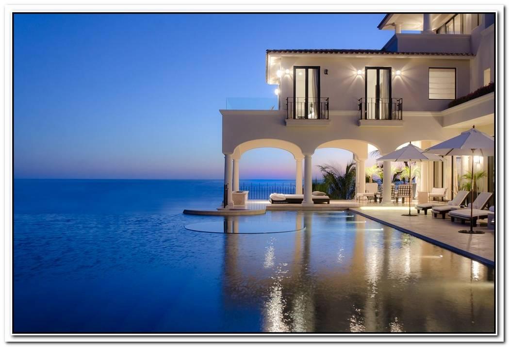 Top 10 Villas In Greece