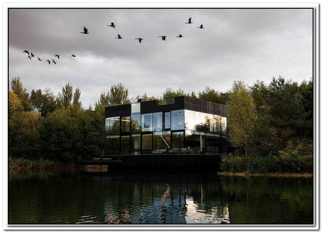 Transparent BrillianceSustainable Glass House On The Lake Is An Absolute Dream
