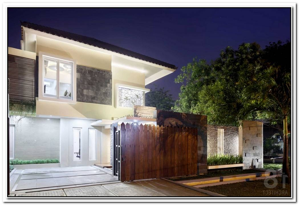 U Shape Residence With A Minimalist Facade