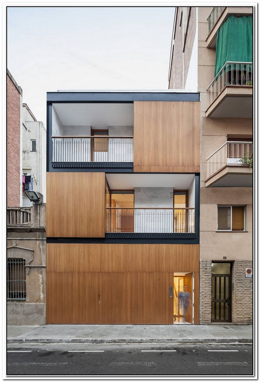 Unique Urban House Facade Design By 24h Architects