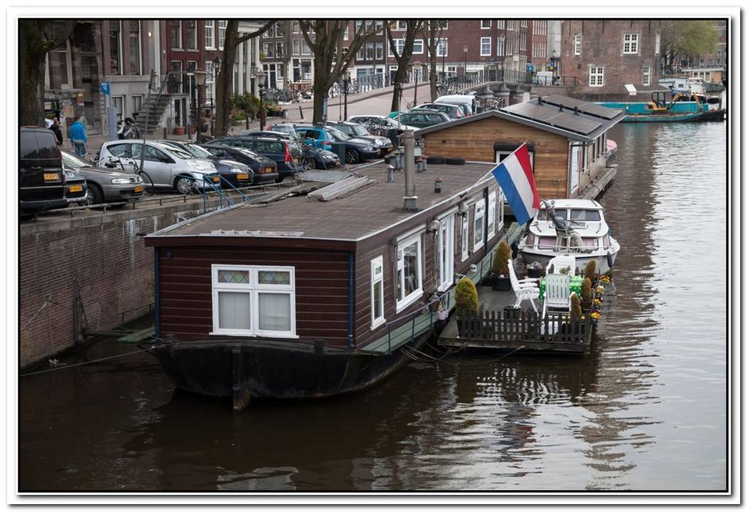Unique Water House In Amsterdam