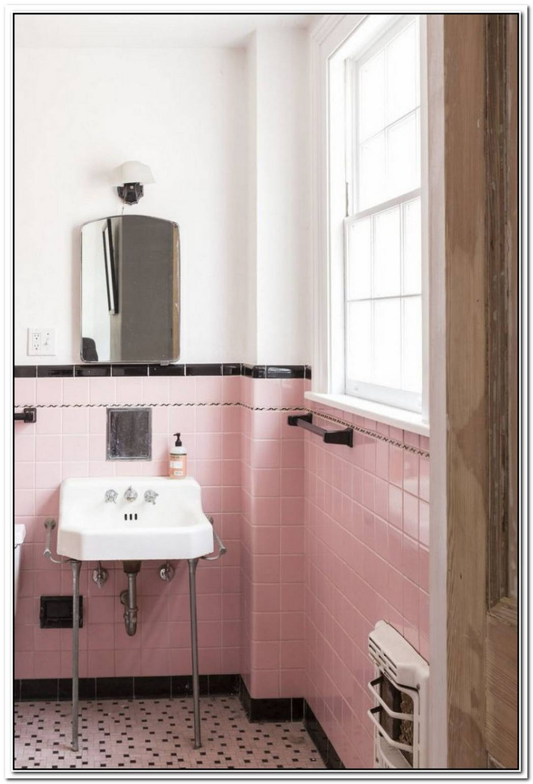 Vintage Bathroom Colored Colorful Vintage