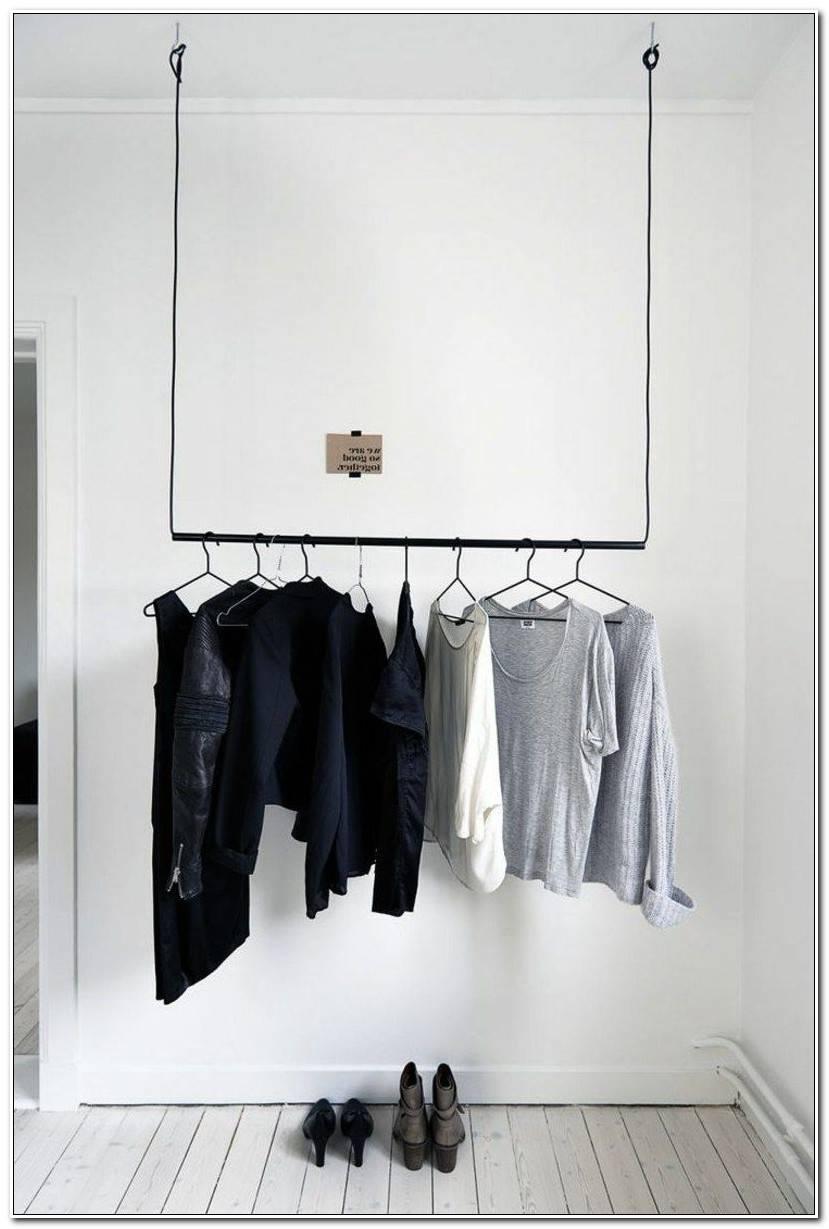 Vorzimmer Mit Abgehängter Kleiderstange