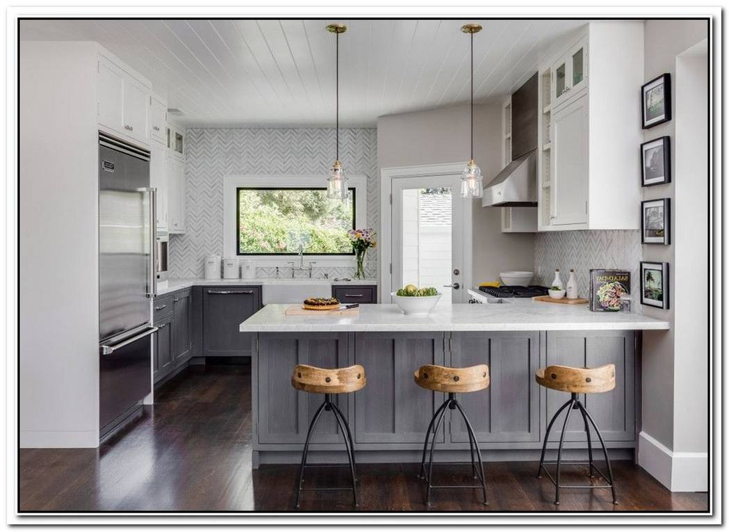 We Just Can'T Get Enough Of These 6 Distressed Kitchen Cabinets