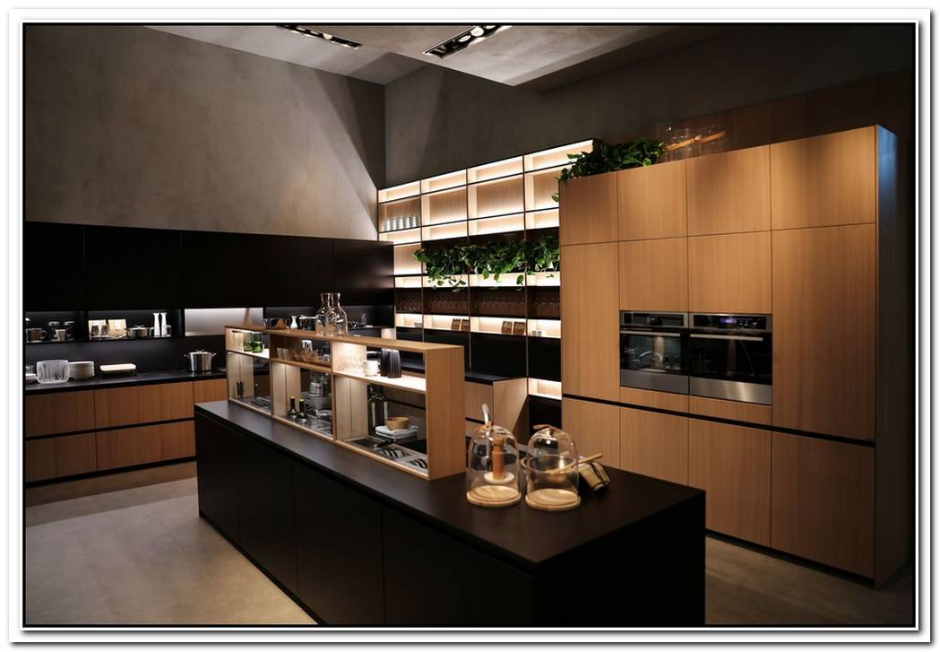 Well Equipped Ergonomic Kitchen For Effective Use From Valcucine