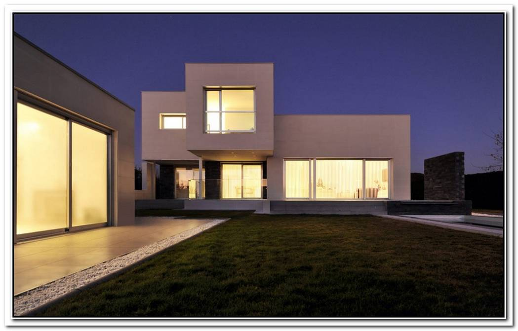 White Fragmented House By Aqso