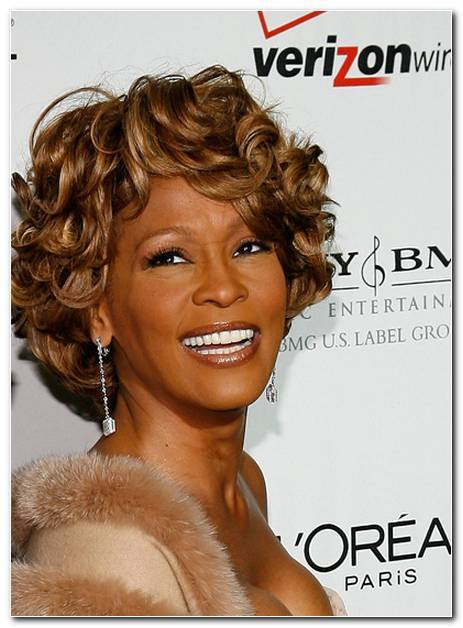 Whitney Houston Frisuren