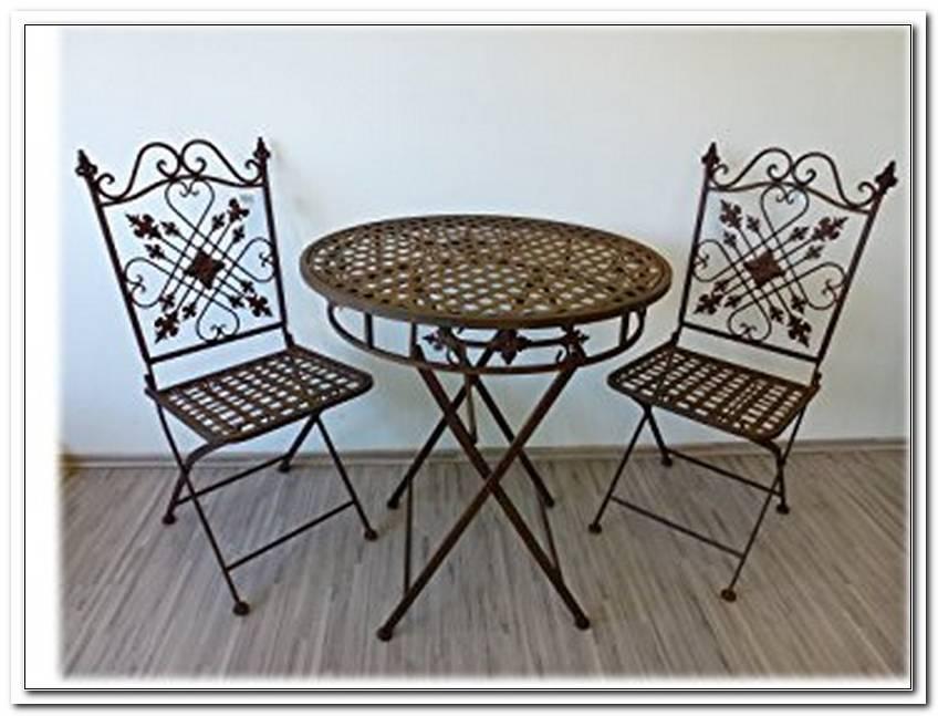2 GartenstHle Mit Tisch