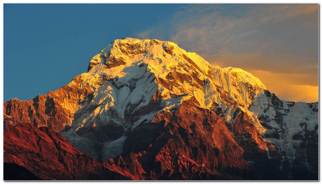 Amazing Everest Background Wallpapers