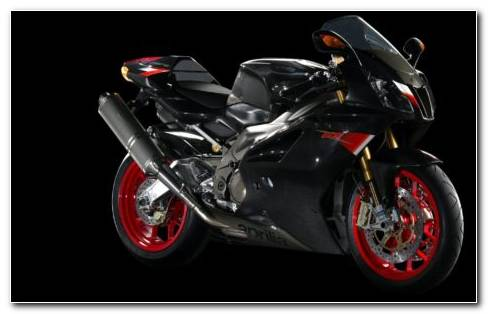 Aprilia RSV 1000 R HD Wallpaper