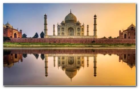 Architecture Of Taj Mahal HD Wallpaper