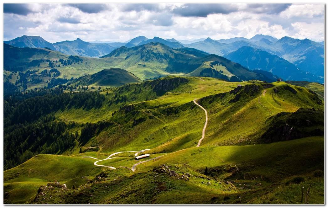 Beautiful Mountain Landscape Wallpaper Background