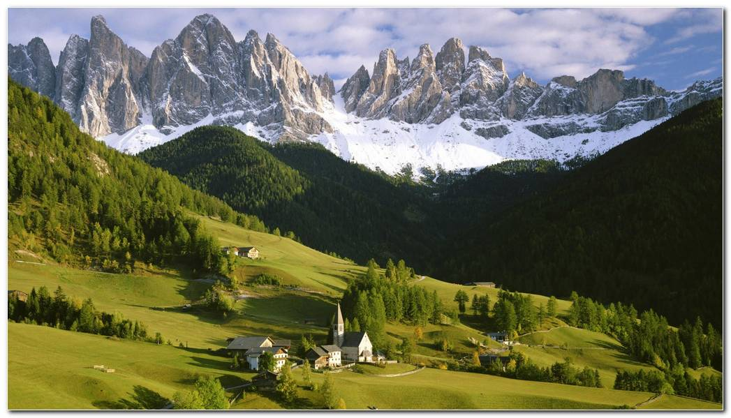 Beautiful Nature Mountain Wallpaper Background
