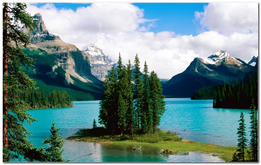 Beautiful Scenery Nature Mountain Wallpaper Background