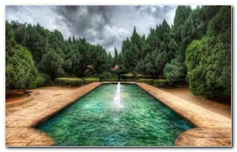 Beautiful Fountain In The Garden HD Wallpaper