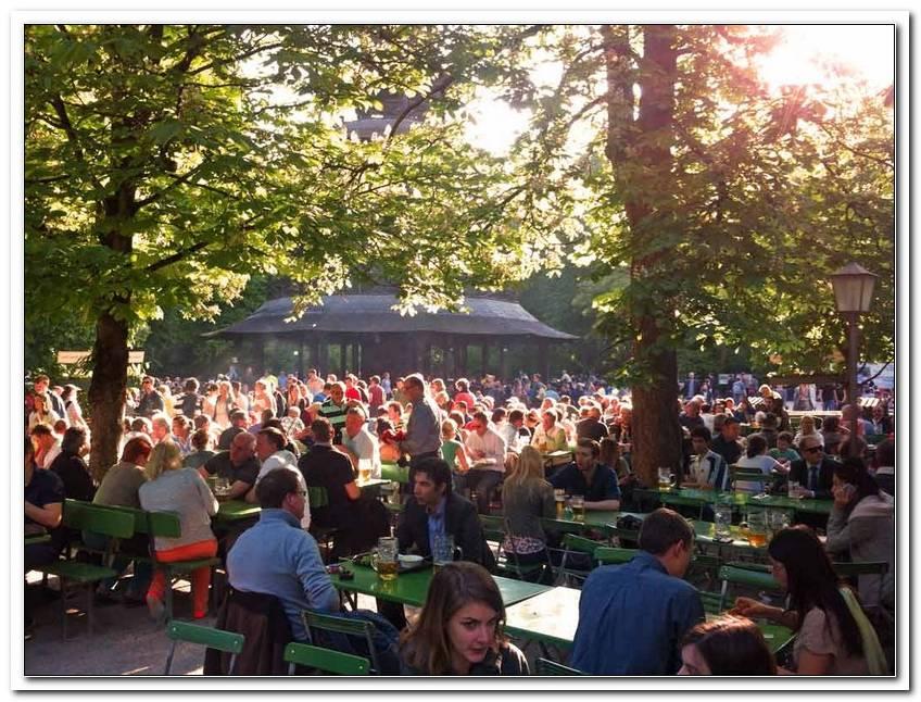 Biergarten Im Englischer Garten