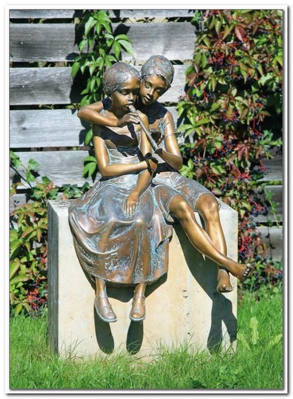 Bronzefiguren Garten