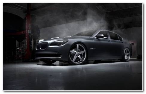 Car In Garage HD Wallpaper