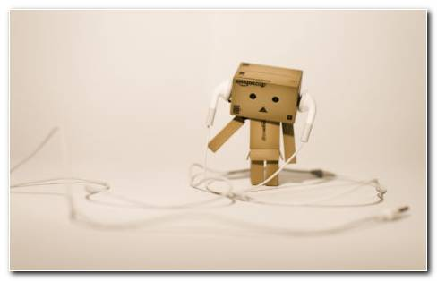 Cardboard Robot HD Wallpaper