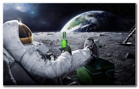 Carlsberg Astronaut HD Wallpaper