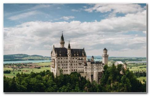 Castle Neuschwanstein HD Wallpaper