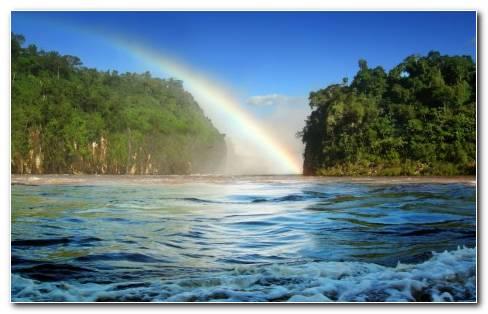 Cataratas De Foz Do Igua?u No Paran? Brasil (Foz Do Igua?u Waterfalls At Paran? Brazil)