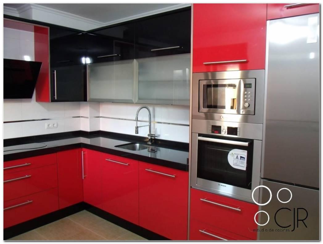 Cocina De Color Rojo Y Negro
