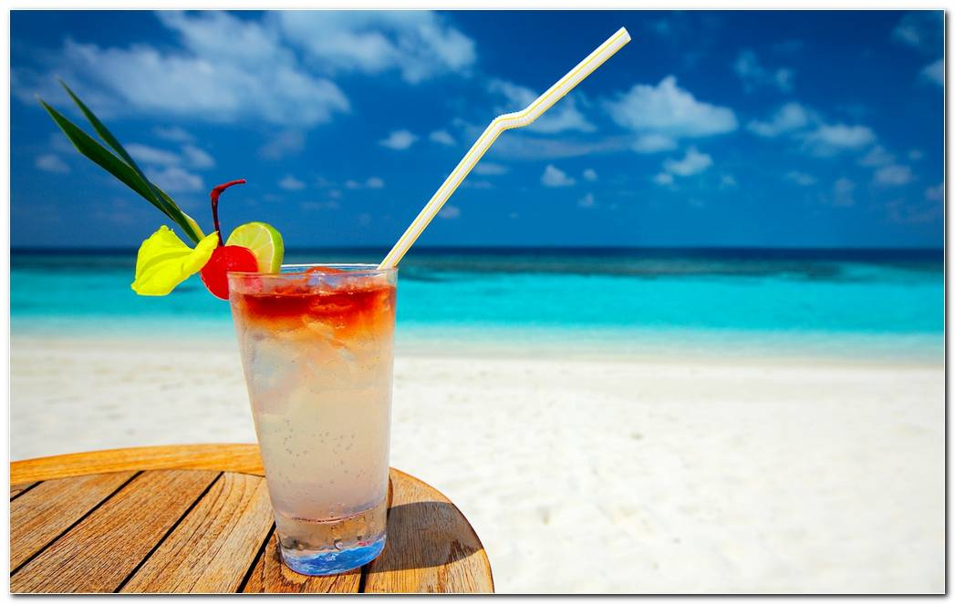 Cocktail Drink Beach Sea Straw Glass Wallpaper