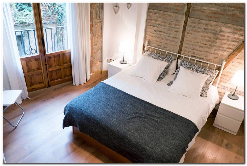 El Dormitorio De La Catedral Segovia