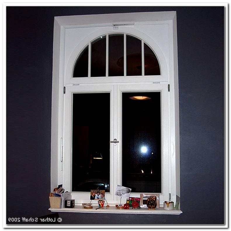 Fenster Mit Rundem Oberlicht