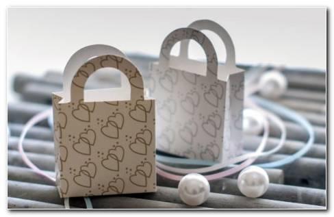 Gift bags HD Wallpaper