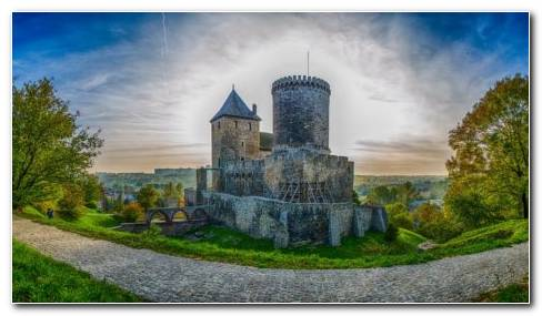 Great Bedzin Castle HD Wallpaper
