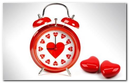 Heart Alarm Clock HD Wallpaper