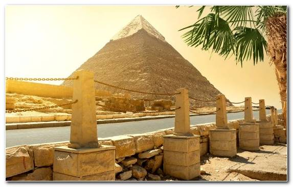 Image Egyptian Pyramids Monument Great Pyramid Of Giza Tourist Attraction Hut