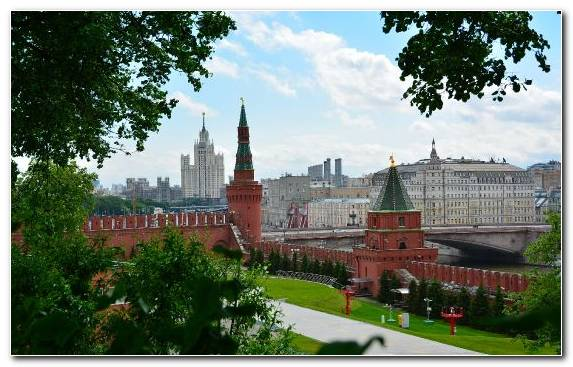 Image Moskva River Town Tree Daytime Red Square