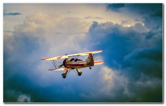 Image Airbus Cloud Flight Aerobatics Biplane