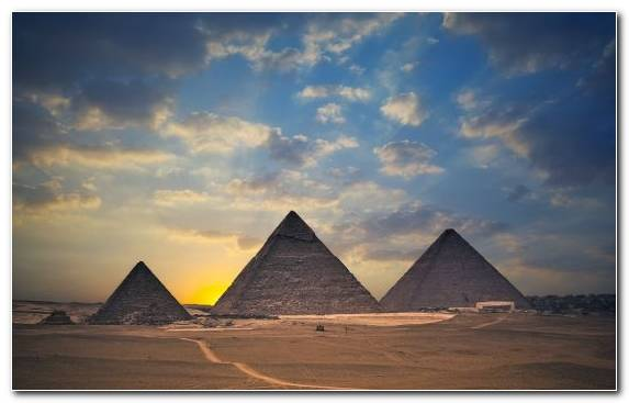 Image Cloud Ancient Egypt Great Pyramid Of Giza Pyramid Egyptian Pyramids
