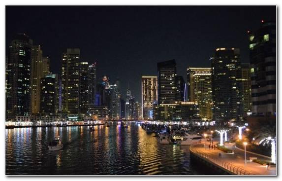 Image dubai new year reflection urban area fireworks