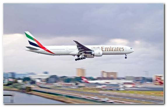 Image Landing Airbus Boeing 777 Emirates Sky
